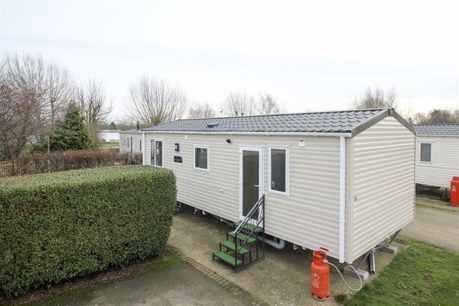 Thumbnail Flat to rent in Main Street, Cosgrove, Milton Keynes