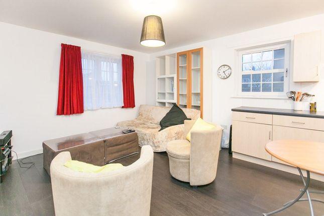 Thumbnail Flat to rent in Stuart Square, East Craigs