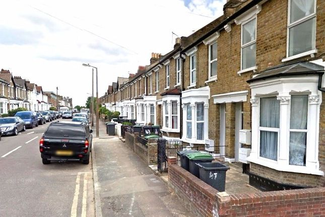 Thumbnail Semi-detached house to rent in Palace Road, Bounds Green