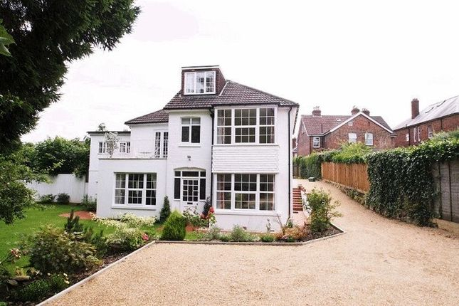 Thumbnail Detached house for sale in Upper Grosvenor Road, Tunbridge Wells