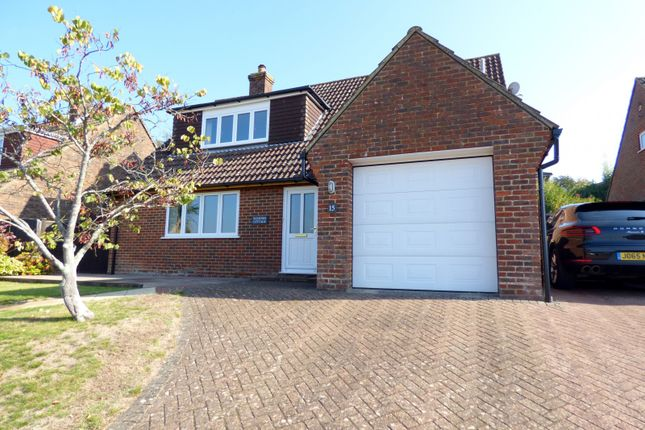 Thumbnail Detached house for sale in Poplar Way, Midhurst