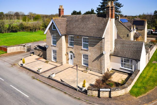 Thumbnail Detached house for sale in Caversfield, Bicester