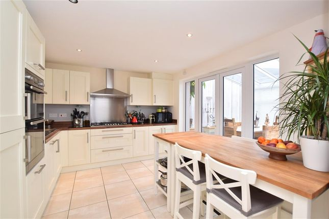 4 bed detached house for sale in Peppiatt Close, Horley, Surrey