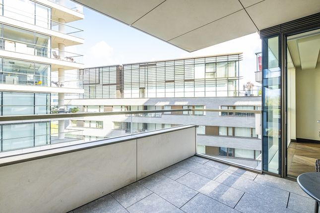 2 bed flat to rent in Earls Way, London SE1