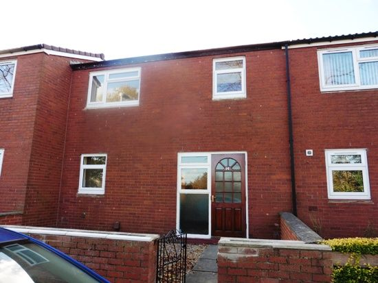 Thumbnail Town house to rent in Newton Square, New Farnley, Leeds