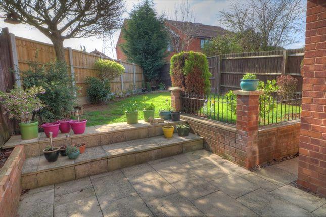 Garden of Cranesbill Drive, Broomhall, Worcester WR5