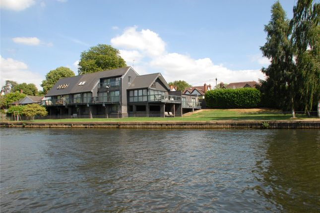 Thumbnail Detached house for sale in Tiddington Road, Stratford Upon Avon, Warwickshire