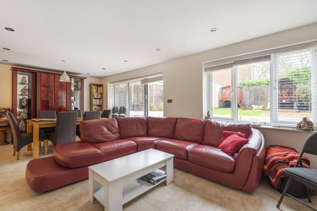 Thumbnail Detached house for sale in Firs Avenue, London
