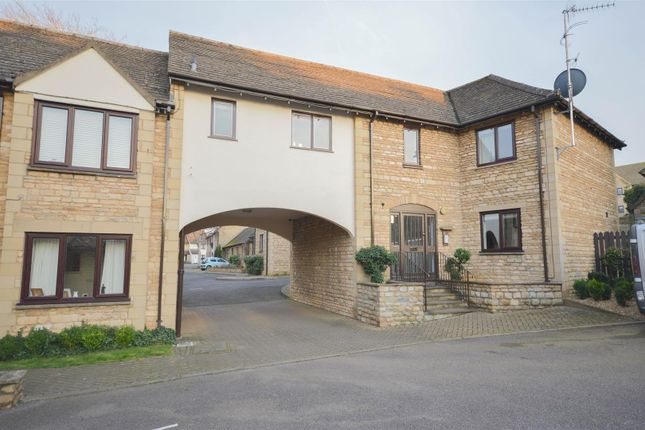 Thumbnail Flat for sale in Phillips Court, Stamford