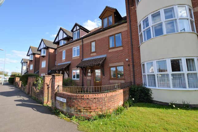 Thumbnail Town house for sale in Olivet Way, Fakenham