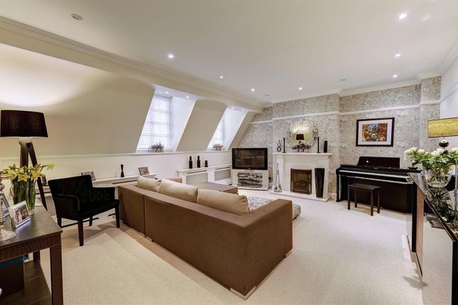 Thumbnail Flat to rent in South Square, Hampstead Garden Suburb
