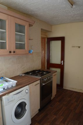 Thumbnail Property to rent in Staunton Road, Slough