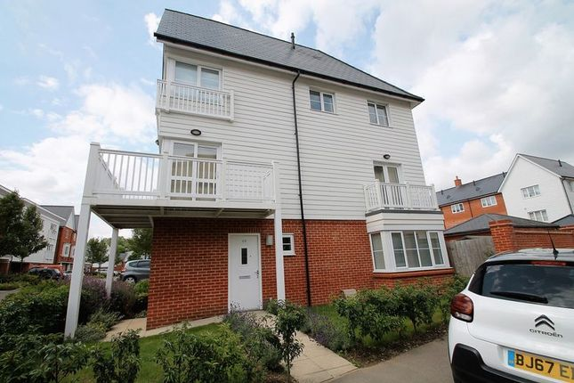 Thumbnail Semi-detached house to rent in Chequers Avenue, High Wycombe
