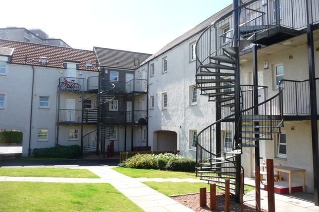 Thumbnail Flat to rent in Birrell Close, Kirkcaldy