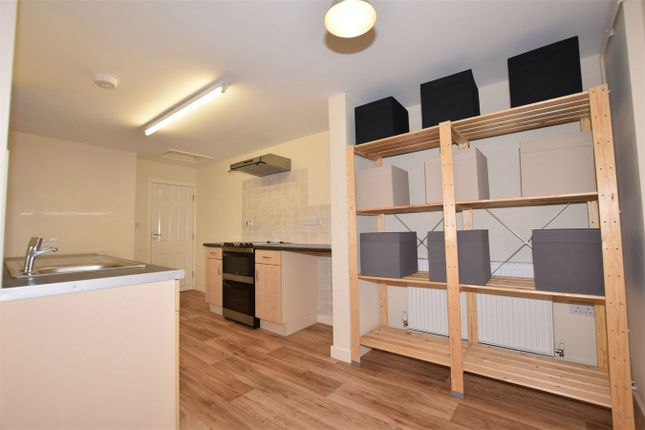 Thumbnail Flat to rent in Somercotes Hill, Somercotes, Alfreton, Derbyshire
