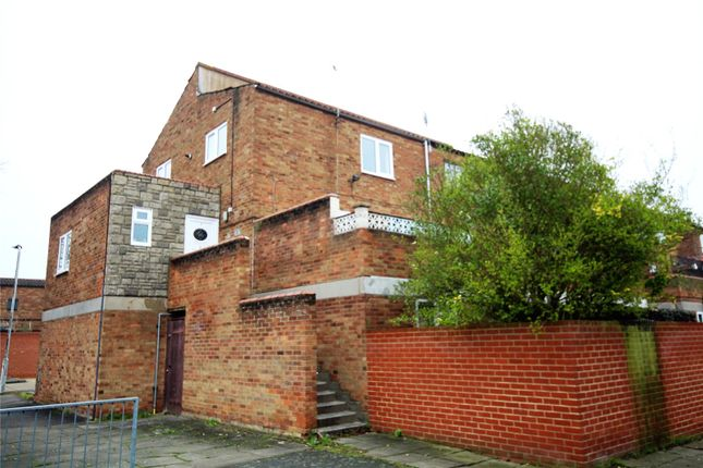 Thumbnail Maisonette for sale in Chevers Pawen, Pitsea, Essex
