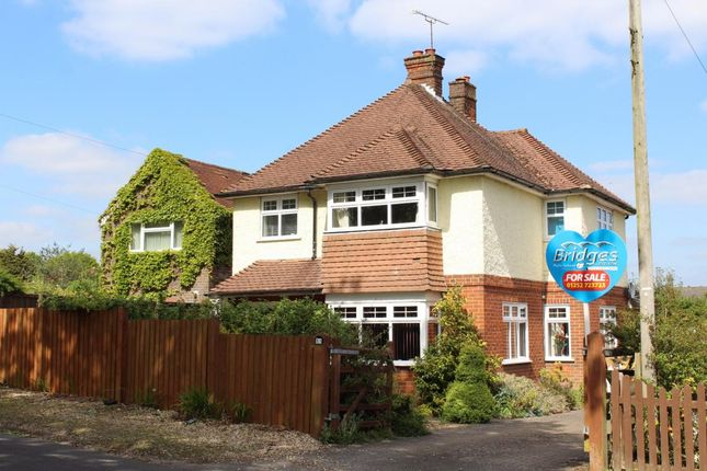 Thumbnail Detached house for sale in Heath Lane, Farnham