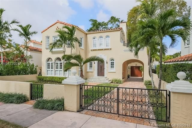 Thumbnail Property for sale in 733 Alhambra Cir, Coral Gables, Florida, United States Of America