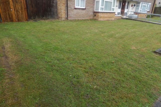 Thumbnail Flat for sale in Aspley Close, Luton