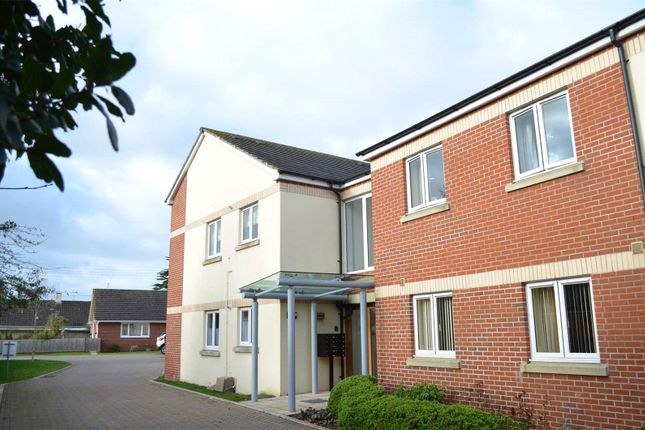 2 bed flat for sale in Archers Close, Cullompton, Devon EX15