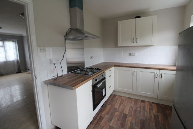 Thumbnail Semi-detached house to rent in Tweed Road, Slough