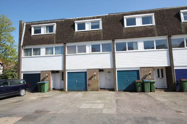 Thumbnail Town house to rent in April Close, Horsham