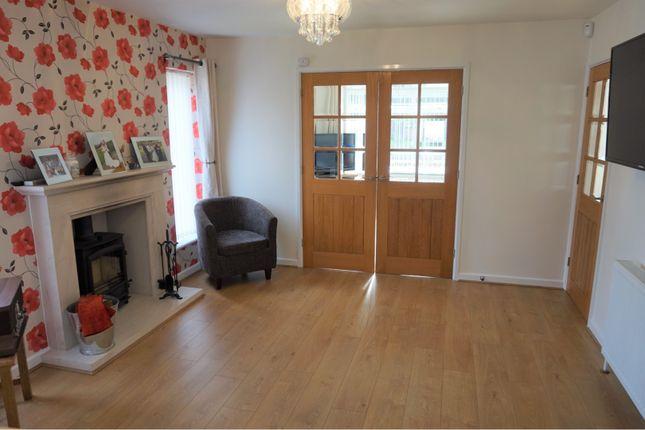 Family Room of Highclere Avenue, Swindon SN3