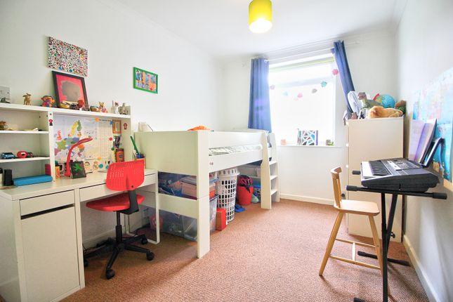 Bedroom 2 of Mowbray Drive, Tilehurst, Reading RG30