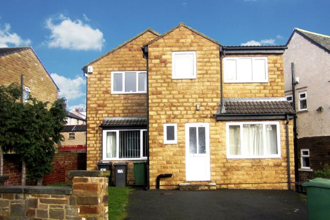 Thumbnail Detached house to rent in Lynton Avenue, Huddersfield