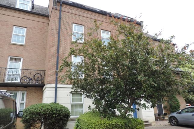 Thumbnail Flat to rent in Victoria Place, Banbury
