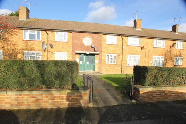 Thumbnail Flat for sale in Pinkwell Lane, Hayes