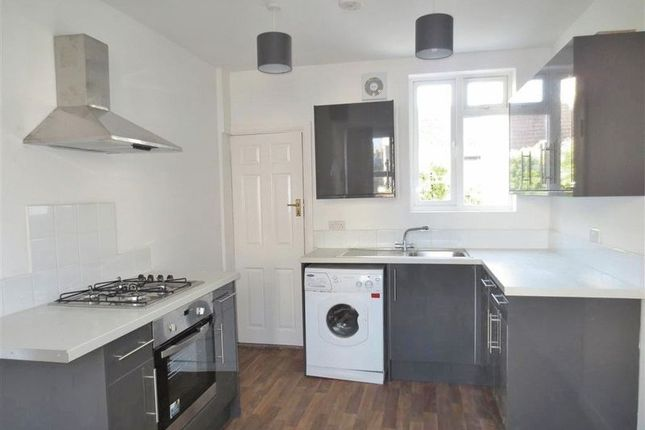 Thumbnail Terraced house to rent in Bear Road, Brighton
