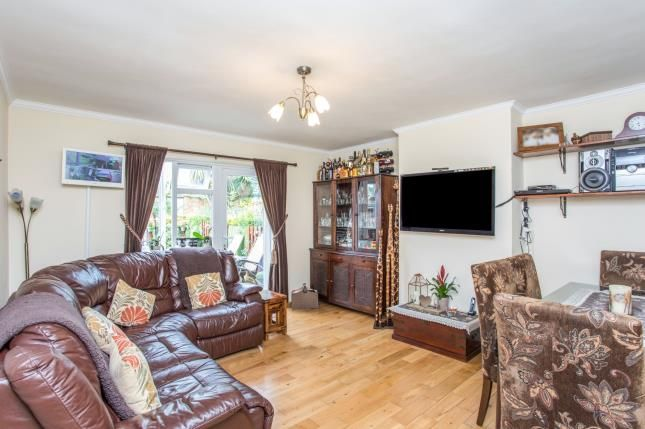 Thumbnail Maisonette for sale in Beresford Avenue, Wembley, Middlesex, Greater London