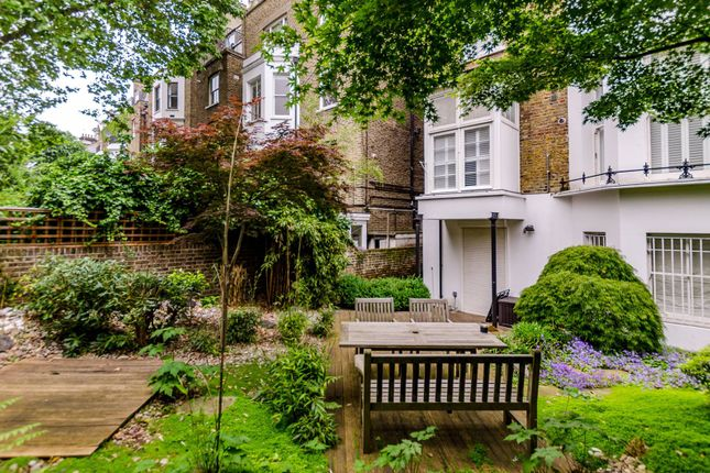 2 bed flat for sale in Redcliffe Gardens, Chelsea