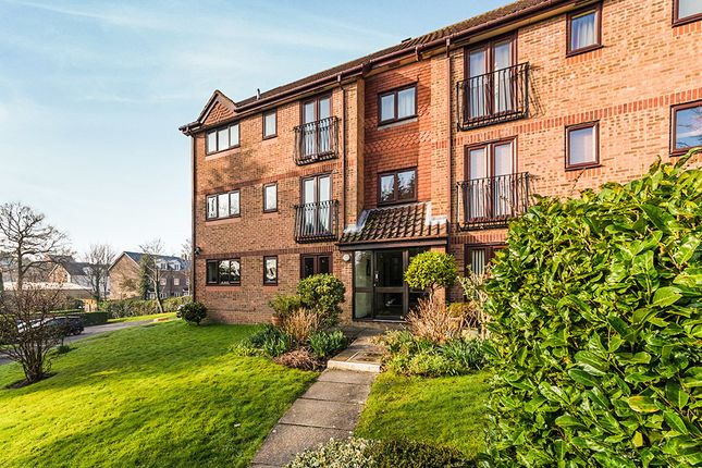 Thumbnail Flat for sale in Eridge Road, Crowborough