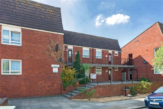 1 bed flat to rent in Gautrey Road, London SE15