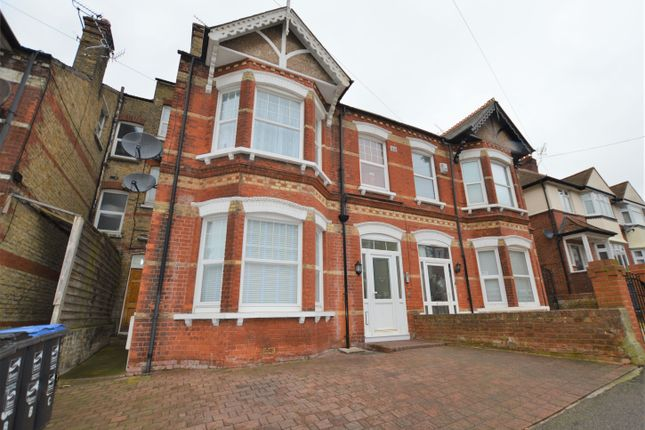 2 bed flat to rent in Cliftonville Avenue, Cliftonville, Margate CT9