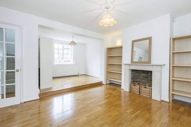 Thumbnail Terraced house to rent in Royal Place, London