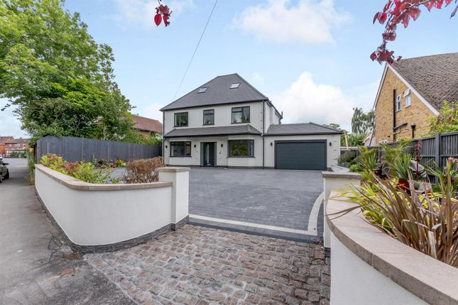 Thumbnail Detached house for sale in King George Avenue, Droitwich Spa, Worcestershire