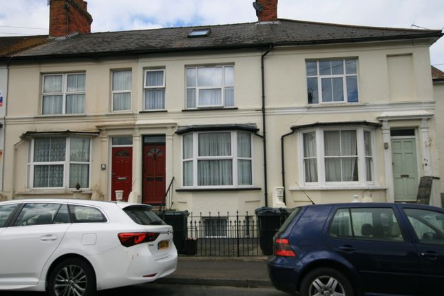 Thumbnail Maisonette to rent in Hardinge Road, Ashford, Kent