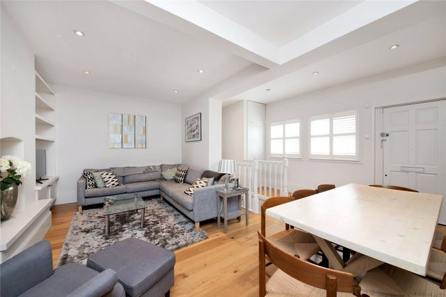 Thumbnail Mews house for sale in Wandsworth Bridge Road, Fulham