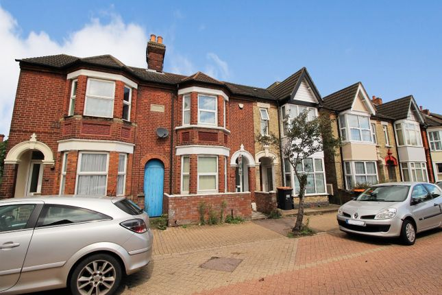 Thumbnail Terraced house to rent in Stanley Street, Bedford