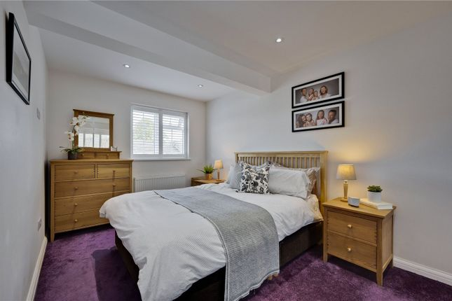 Picture No. 28 of Hillcrest, Weybridge, Surrey KT13