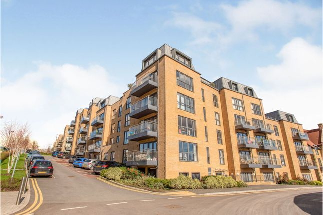 Flat for sale in 16 Royal Engineers Way, London