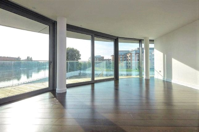 Thumbnail Flat for sale in Goldhurst House, Parr's Way, Fulham Reach, London