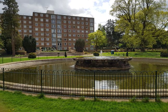 2 bed flat for sale in Milton Mount, Pound Hill, Crawley RH10