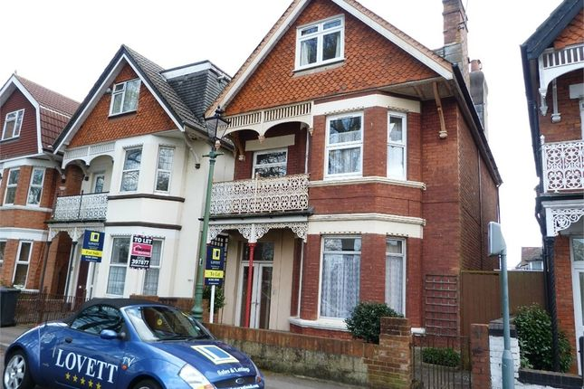 3 bed flat to rent in Borthwick Road, Boscombe, Bournemouth, Dorset