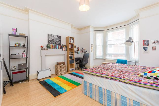 3 bed flat for sale in Museum Chambers, Bloomsbury