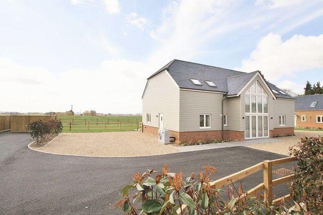 Detached house for sale in Beggarsbush Hill, Benson, Wallingford
