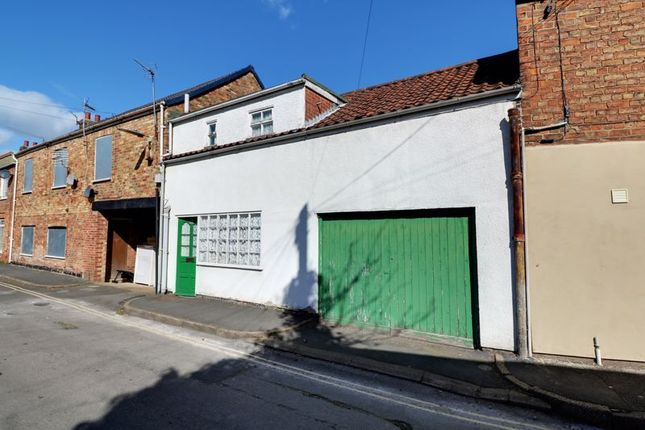 2 bed terraced house for sale in Garden Street, Brigg DN20